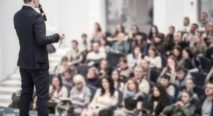 Comment garantir le succès de votre événement grâce à un conférencier professionnel ?